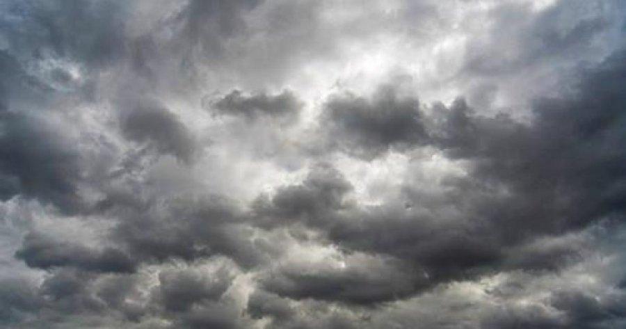 Vijon moti i vranët, këto janë zonat ku do të bjerë shi