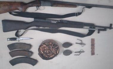 I kishin fshehur pranë serrave, sekuestrohen municione luftarake në Vorë