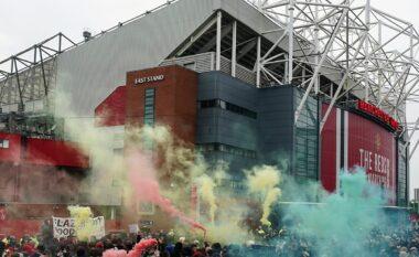 """Nuk dorëzohen tifozët e Manchester United, paralajmërojnë protesta të tjera para """"Old Trafford"""""""