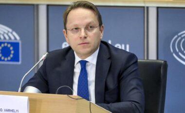 Komisionari për zgjerim i BE-së nis vizitën në Ballkan, viziton të mërkurën Kosovën