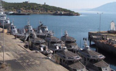 Po lyente anijet në Pashaliman, bie nga skela punëtori 57-vjeçar