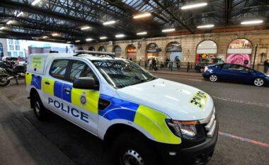 Kokainë, armë e mijëra paund: Arrestohet dyshja e shqiptarëve në Londër