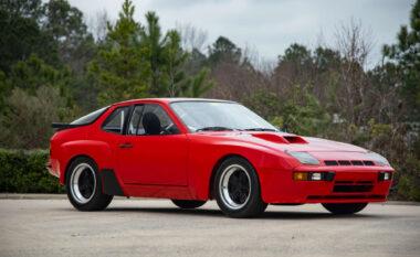 Porsche 924 shitet për 261 mijë dollarë