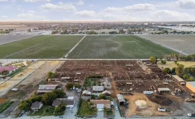 Qyteti që po fundoset nga 60 cm çdo vit