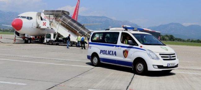 Me çfarë u kapën? Arrestohen dy shtetas turq në Rinas