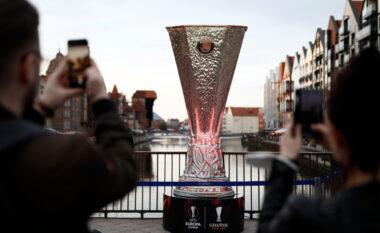 Pak orë nga finalja, sulmohen tifozët e Manchester United në Gdansk