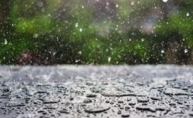 Rikthehen reshjet e shiut, si pritet të jetë moti nesër