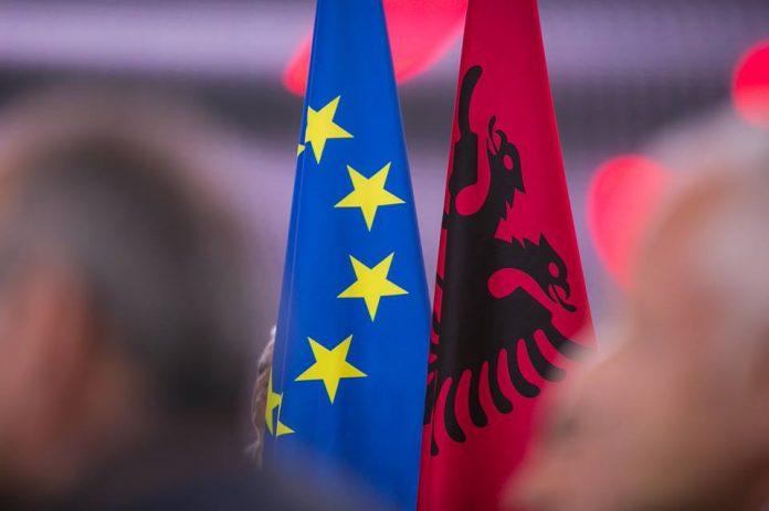 Del dokumenti i brendshëm i BE-së: Të nisin sa më shpejt negociatat me Shqipërinë dhe Maqedoninë e Veriut!