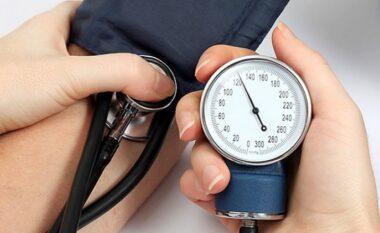 Mbani shënime! Zbuloni 3 mënyrat natyrale për të ulur tensionin e lartë të gjakut
