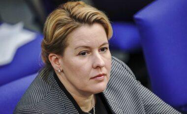 U akuzua për plagjiaturë të doktoraturës, ministrja gjermane jep dorëheqjen