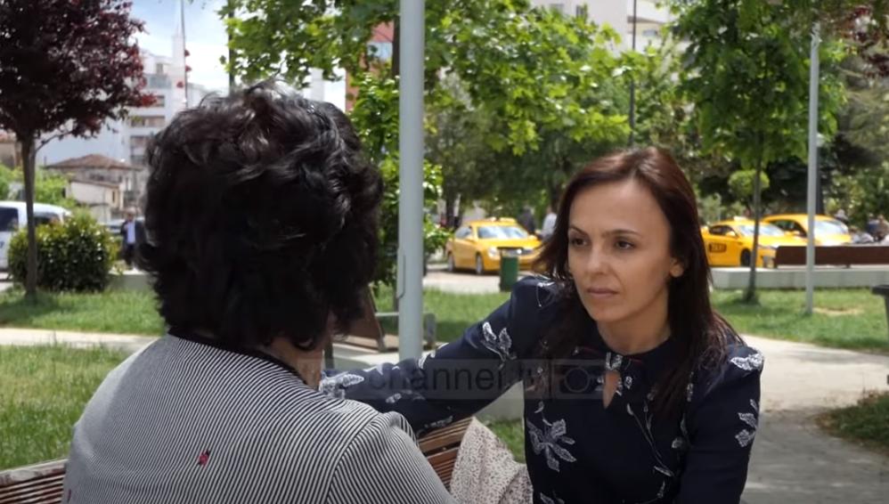 Nëna e 5 fëmijëve ndihet e kërcënuar, ish-burri e kanos me jetë: Unë do të të vras! (VIDEO)
