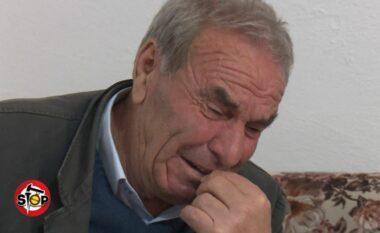 Polici rrahu të moshuarit për një bllok betoni, prokurori zvarrit çështjen
