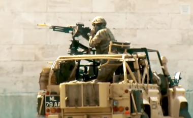 Tanke e helikopterë, kjo është data kur trupat ushtarake do të blindojnë Tiranën (VIDEO)