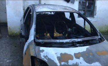 Makina iu shkrumbua nga flakët, pronari: Nuk kishte çfarë ti bënte as zjarrëfiksja, mbaroi për çerek ore