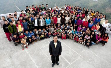 38 gra dhe 89 fëmijë, vdes kryetari i familjes më të madhe në botë