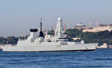 E FUNDIT/ Rusia qëllon ndaj anijes britanike