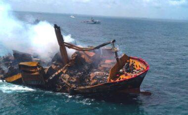 Anija e ngarkuar me naftë fundoset në Sri Lanka, frikë për një katastrofë mjedisore