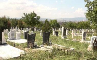Kërkimet për naftë dëmtojnë varrezat dhe nxjerrin eshtrat sheshit, banorët e Visokës në protestë