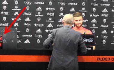 Nuk është vetëm Ronaldo dhe Pogba, kur Mustafi largoi birrën te Valencia (VIDEO)