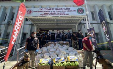 Sekuestrohet 1 ton kokainë në Turqi, ishte fshehur në një konteniere bananesh