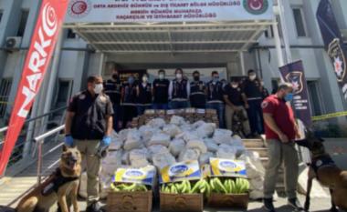1000 pako të shpërndara në kontejnerët e bananeve, kapet rekord kokaine në Turqi