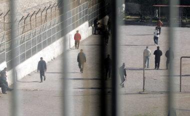 Tentoi të fuste drogë në burgun 313, arrestohet 24-vjeçari në Tiranë