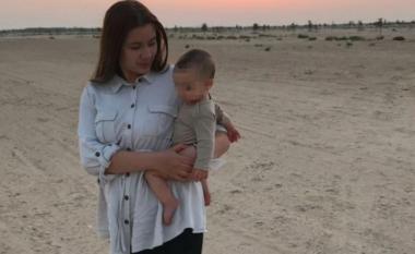 Nënën ia vrau babai: Lydia e vogël bashkohet me gjyshen e saj, të ëmën e Caroline