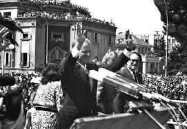 30 vite nga vizita e Sekretarit Baker në Shqipëri, Kim: Vetëm një gjë nuk ka ndryshuar që nga ajo kohë!