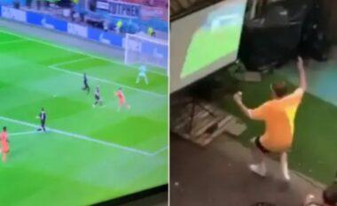 Tifoz i Holandës tallet me fqinjët që po shikonin ndeshjen me disa sekonda vonesë në transmetim (VIDEO)