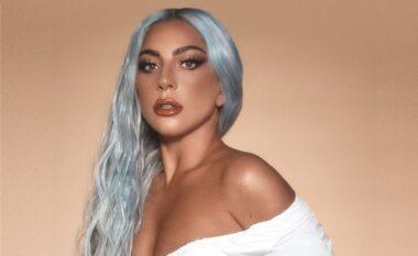 Nëse s'doni të dukeni si gjithë të tjerat në plazh, frymëzohuni nga bikinit e Lady Gaga-s