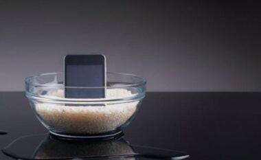 Ndiqni këto veprime nëse telefoni juaj është lagur dhe nuk do të ndizet