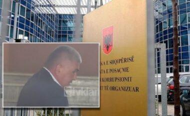 U arrestua nëqendër tëKavajës, prokurori i Kukësit vihet nëpranga për korrupsion