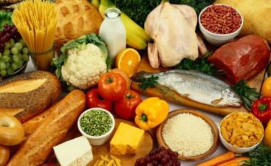 Ushqimet që duhet të shmangni për një lëkurë të pastër