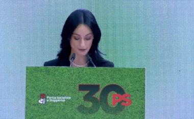 Fjalimi që përloti socialistët! Vajza i plotëson amanetin Bashkim Finos: Shpresoj të jesh krenar