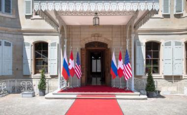 Tensione të larta, synime modeste në takimin Biden-Putin