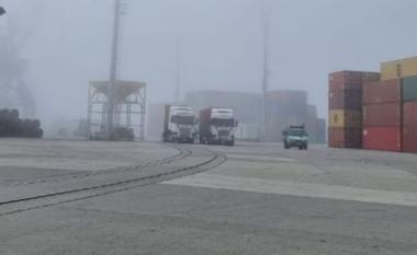 Mjegulla e dendur bllokon Durrësin, Porti merr vendimin e rëndësishëm për lundrimet