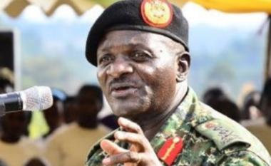 Të shtëna me armë zjarri drejt ministrit të Ugandës, vritet vajza dhe shoferi i tij
