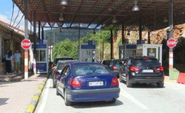 E FUNDIT/ Greqia hap kufijtë për vizitorët shqiptarë