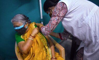 Vala e dytë shkatërruese, India porosit 300 milion doza të një vaksine të paaprovuar