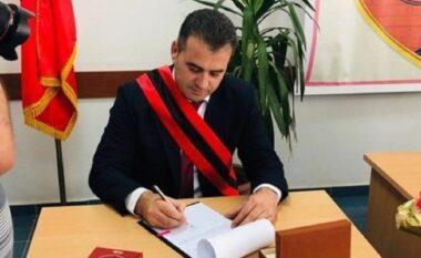 U dënua për dhunë në Greqi, shtyhet seanca për kryebashkiakun socialist të Mallakastrës