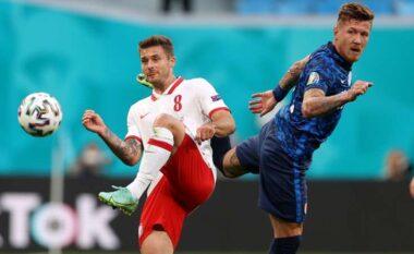 E FUNDIT/ Sapo fillon pjesa e dytë Polonia barazon shifrat ndaj Sllovakisë (VIDEO)