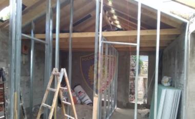 U kapën duke ndërtuar pa leje, 3 arrestuar në Korçë, në kërkim pronari i objektit