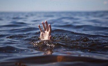 EMRI/ E rëndë në Kavajë, mbytet pushuesi duke u larë në det