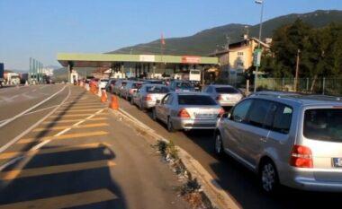 Shqiptarët nga Kosova dynden në Shqipëri për fundjavë, mbi 41 mijë qytetarë kaluan doganën e Morinës