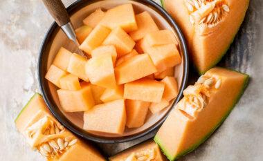 Përfitoni nga frutat e sezonit: Si të përdorni farat e pjeprit për shëndetin tuaj