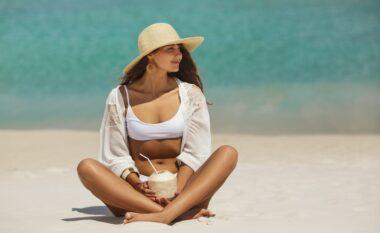 Sekreti i ngjyrës së plazhit, metodat si mund ta ruani sa më gjatë!