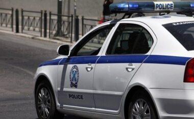 Paralandalohet krimi i rëndë në Greqi, shqiptari merr thikën e niset drejt shtëpisë së ish-gruas