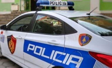 Tenton të godasë babain me sende të forta, arrestohet 36-vjeçari në Lushnjë