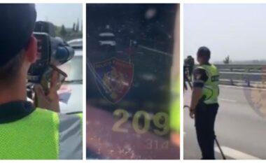 Policia Rrugore vendos mbi 3 mijë gjoba, i heq patentën shoferit 21-vjeçar që udhëtonte me 209 km/h