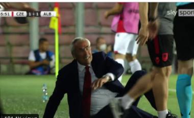 """""""Plasi"""" në tokë Edi Rejën, lojtari çek kërkon falje: E pashë në momentin e fundit (VIDEO)"""